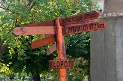 Drogowskaz w Kłopocie.