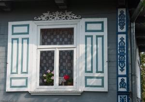 Okna i okiennice w Ciełuszkach